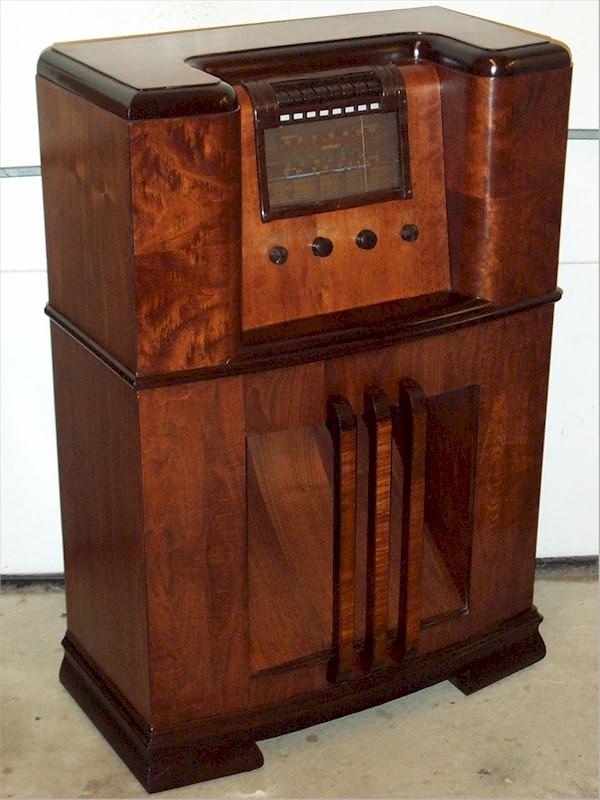 1932 Crosley World Radio 819m The